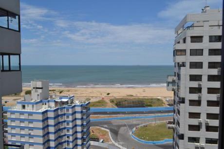 Apartamentos En Playa Brava: Ipd6550a