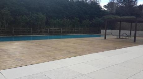 Apartamentos En Playa Brava: Ipd7644a