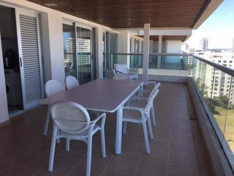 Apartamentos En Playa Brava: Ipd8191a