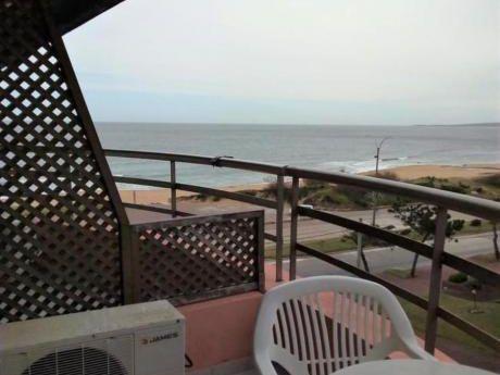 Apartamentos En Playa Mansa: Ipd8444a