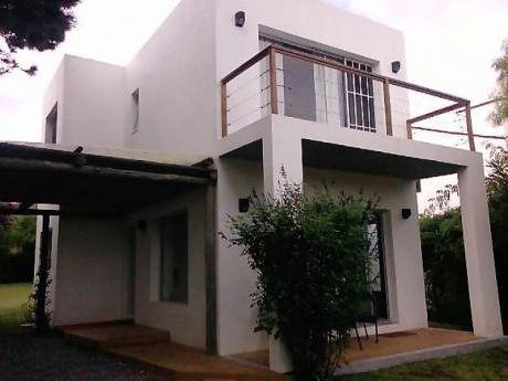 Casa Muy Bien Ubicada En La Barra