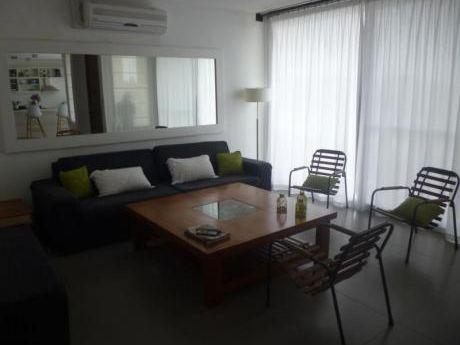 Hermoso Apartamento,muy Comodo,con Terraza Amplia  Y Vista Al Mar