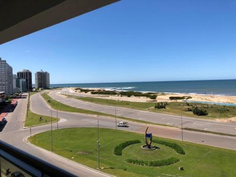 Expectacular Departamento En Playa Brava