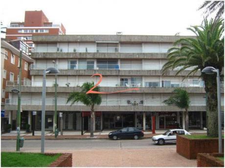 Apartamentos En Península: Lvn1635a