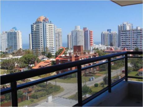 Apartamentos En Playa Brava: Lvn2709a