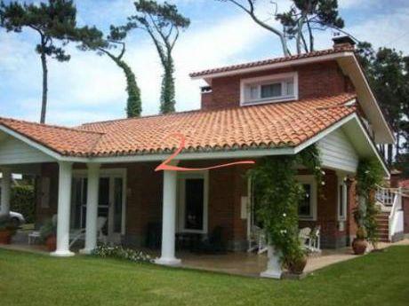 Casas En Playa Mansa: Lvn3245c