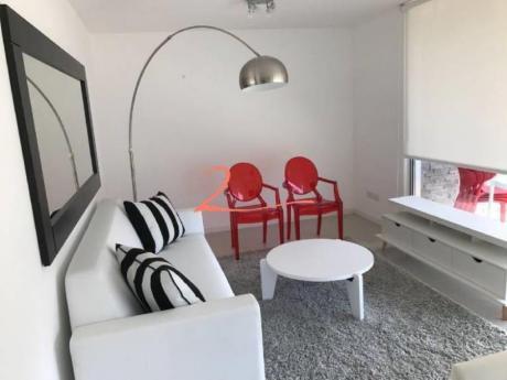 Apartamentos En Playa Mansa: Lvn4296a