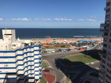 Apartamentos En Playa Brava: Lvn4386a