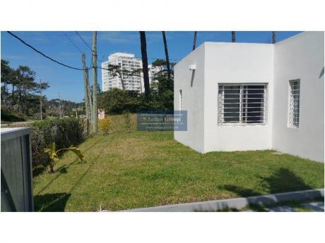 Casas En Playa Mansa: Jar5058c