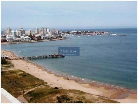 Apartamentos En Playa Mansa: Jar5081a