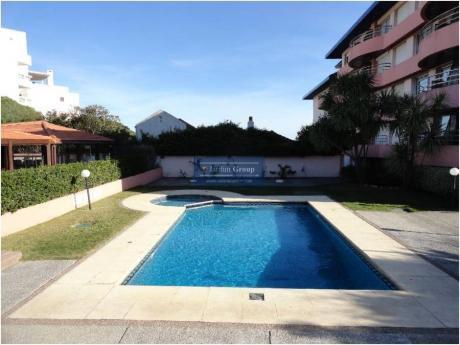 Apartamentos En Playa Mansa: Jar5114a