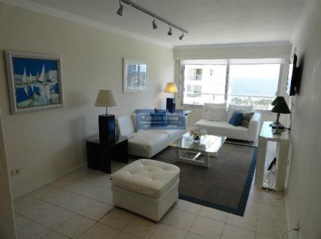 Apartamentos En Playa Mansa: Jar5203a