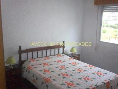 Apartamentos En Playa Mansa: Iav4941a