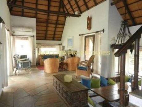 Casas En Pinares: Iav5037c