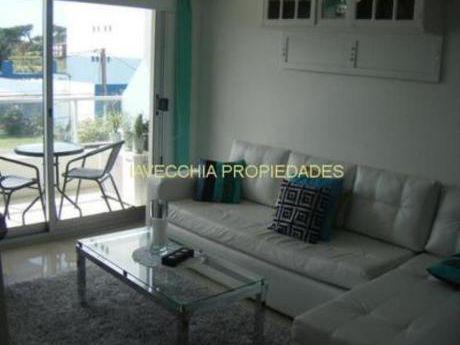 Apartamentos En Playa Mansa: Iav6185a