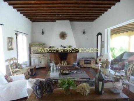 Casas En Pinares: Iav6235c