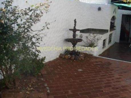 Casas En Playa Mansa: Iav6361c
