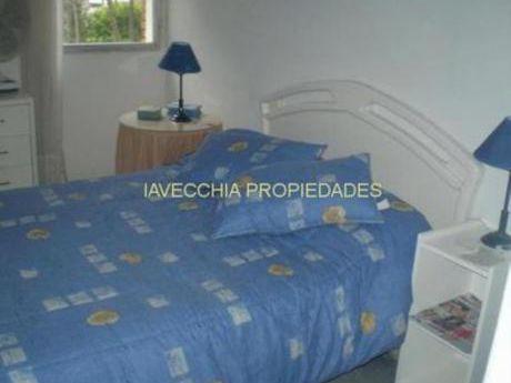 Apartamentos En Playa Mansa: Iav6799a
