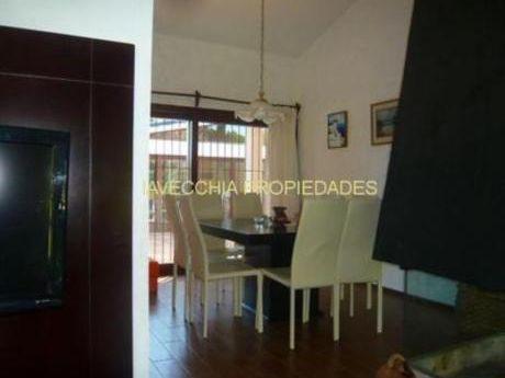 Casas En Playa Mansa: Iav6861c
