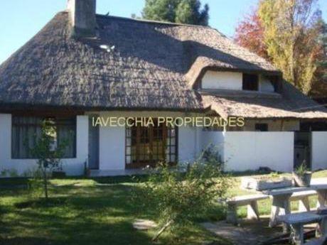Casas En Pinares: Iav6979c
