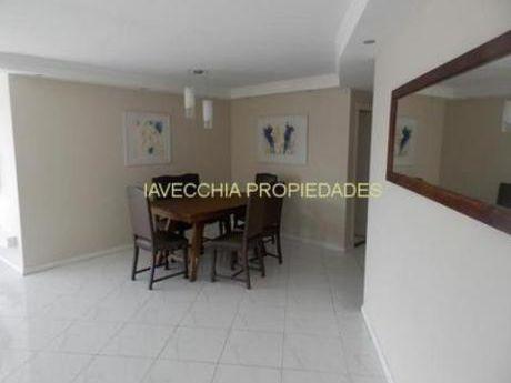 Apartamentos En Pinares: Iav7154a
