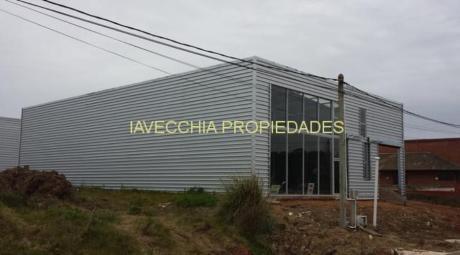 Locales Comerciales En Maldonado: Iav7272l
