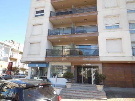 Villa Biarritz. Alquiler Apto 1 Dorm, Terraza
