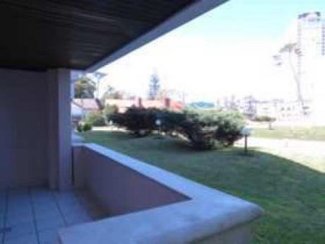 Departamento En Playa Mansa - Ref: Pb1626