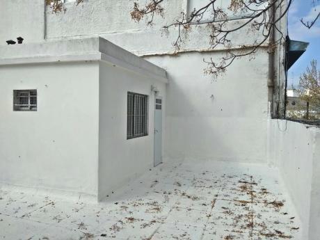 Reservado: Av Brasil Y Brito Del Pino. Patio, Terraza, 2dom, Escritorio.
