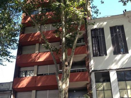 Gran Oportunidad, 3 Dormitorios, 2 Baños, Garage, Cordón!!!