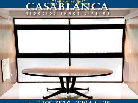 Casablanca - Excelente Punto, A Pasos De Sarandí