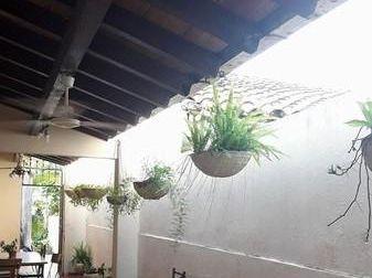 Se Vende Casa De 438 M2 En Asunción, Barrio Ciudad Nueva