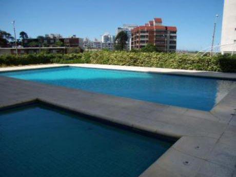 Apartamentos En Playa Brava: Cte2030a