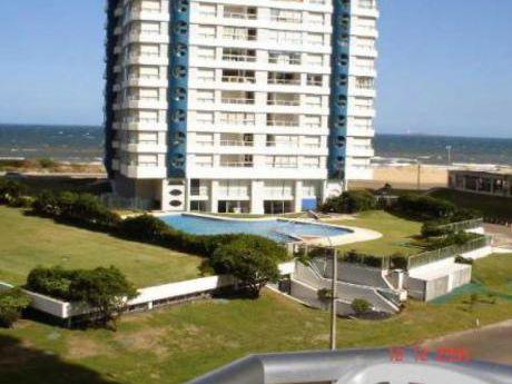 Apartamentos En Playa Brava: Cte3268a