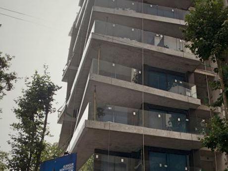 Centro De Montevideo Unico En Alquiler Alma Sur
