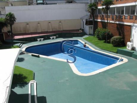 Apartamento En Peninsula,  En Venta, Peninsula, Punta Del Este, 1 Dormitorios.