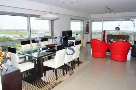 Apartamento En Torre Lobos,  En Venta, Brava, Punta Del Este, 3 Dormitorios.