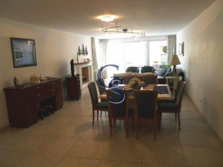 Apartamento En Torre Nueva York,  En Venta, Brava, Punta Del Este, 3 Dormitorios.