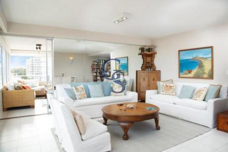 Apartamento En Tiburon II,  En Venta, Brava, Punta Del Este, 3 Dormitorios.