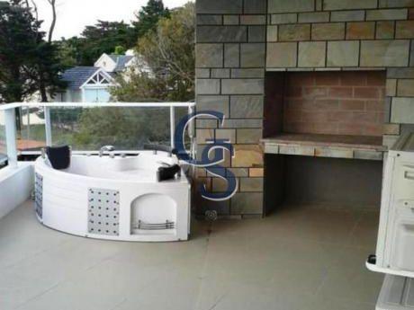 Apartamentos En Playa Mansa: Gsm292206a