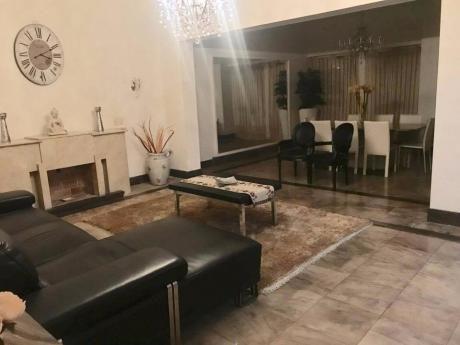 Hermosa Casa En El Corazon De Pocitos Sobre Bvar España