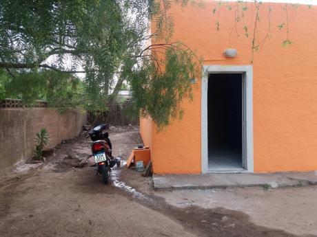 Casa Con Entrada Para Vehiculo