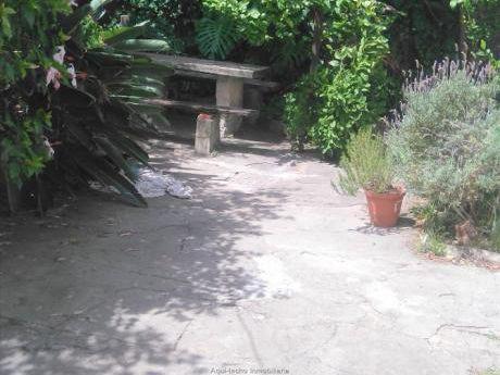 Terreno Con Casa A Reciclar