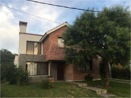 Casa En Venta - Pinares - Art26c