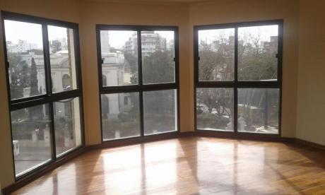 Excelente Apartamento De 3 Dormitorios Sarmiento Y Bvar Espa