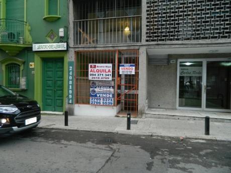 Local Comercial A Pasos De 18 De Julio