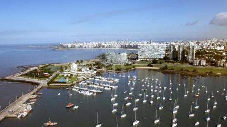 Venta Apartamento 1 Dormitorio Y Garage  Frente Al Mar En Pocitos Nuevo!