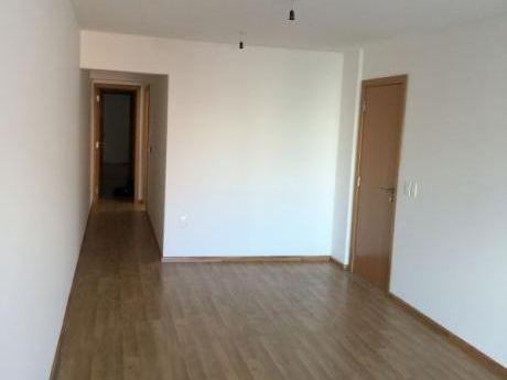 Apartamento Venta De 2 Dormitorios En Pocitos Nuevo.  Sobre 26 De Marzo !