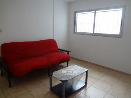 Apartamento En Venta De 1 Dormitorio En Tres Cruces