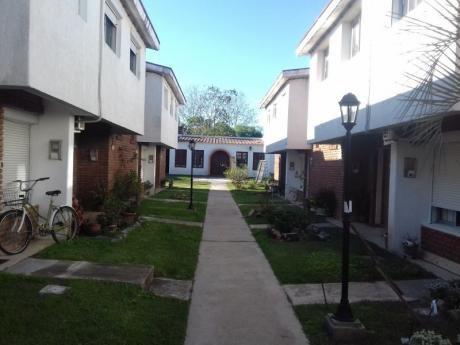 Linda Casa En Cooperativa De Ladrillos Y Tejas En Predio,cercado